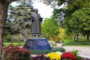 Photo of Luther statue